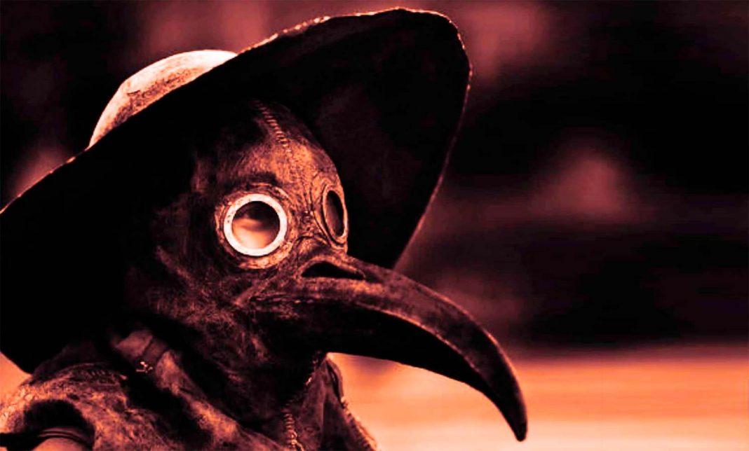 Representación fotográfica de una máscara utilizada para examinar a enfermos de la Pesta por médicos de Renacimiento.