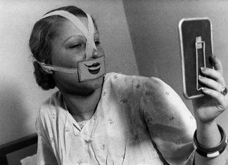 Una de las máscaras usadas en El Club de la sonrisa de Budapest.