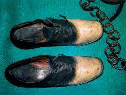 Los zapatos en los que terminó convertido Big Nose (George Parrott)