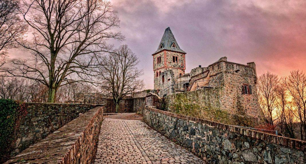 Castillo de Frankenstein (Alemania). Foto de B.Stroujko.
