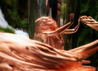 Jonty Hurwitz: Escultura Childhood (foto 2)
