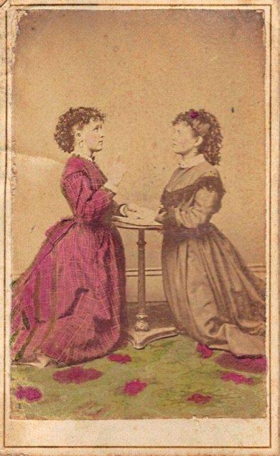 Sesión de espiritismo en los años previos a la Guerra de Secesión (1860).